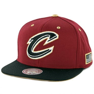 8a768bd39e5 Mitchell   Ness Cleveland Cavaliers Gold Tip Snapback Hat Burgundy ...