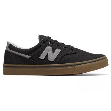 NB All Coasts 331 Shoe Black Gum